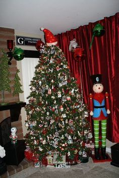 hallmark tree theme done with all hallmark ornaments - Hallmark Christmas Decorations