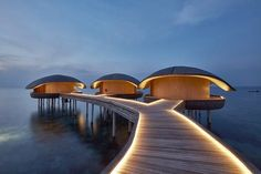 The Magnificent St Regis Maldives Resort Celebrates Nature's Beauty Architecture Student, Light Architecture, Sustainable Architecture, Facade Lighting, Exterior Lighting, Architectural Lighting Design, Honeymoon Hotels, Landscape Lighting, Small Houses
