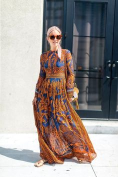 49 of the best street style moments captured at the New York Fashion Week Spring 2017 shows this week: - plus size dresses, winter white dresses with sleeves, ladies dresses *ad Look Street Style, New York Fashion Week Street Style, Spring Street Style, Street Styles, New York Fashion Week 2017, Summer Street, Street Fashion, Mode Hippie, Bohemian Mode