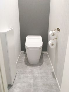 Toilet Design, Bathroom Interior Design, Wallpaper, Home, Washroom, Ad Home, Restroom Design, Homes, Wallpapers
