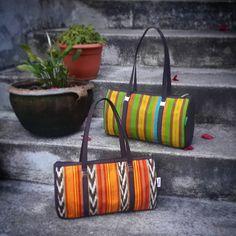 Elige el color que mas te gusta! Bolso Tipico Weasley. #Nina bolso elaborado en hilo de perraje fino,en una mezcla de colores atractivos... #bolsosweasley #madeinguatemela #hechoencobán #hechoenguatemala #artesanias #hechoamano