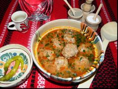 Celerie Rave, Romanian Food, Rigatoni, Cheeseburger Chowder, Recipies, Curry, Food And Drink, Cooking, Ethnic Recipes
