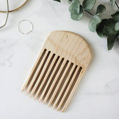 Handmade wooden combs make a great stocking stuffer! This tutorial will help you whip up a few!