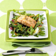 39 Weight Watchers Meals with Smart Points. The ULTIMATE list of the BEST weight watchers meals with smart points to help you lose weight and eat healthy. Salmon And Asparagus, Asparagus Salad, Salmon Salad, Healthy Soup, Healthy Recipes, Spring Mix Salad, Spicy Garlic Shrimp, Slow Cooker, Smart Points