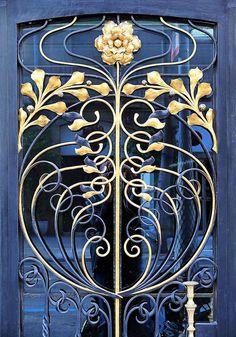 Art Nouveau Wrought Iron Door in Barcelona,… Beautiful blue & gold floral design. Art Nouveau Wrought Iron Door in Barcelona, Spain - Door Architecture Art Nouveau, Art And Architecture, Architecture Details, Design Art Nouveau, Motif Art Deco, Art Nouveau Interior, Art Nouveau Furniture, Cool Doors, Unique Doors