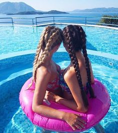 Before the summer ends, there is one thing that you must do: have a photo shoot with your bff in the pool. there are so many different poses you can do that Best Friend Pictures, Bff Pictures, Friend Photos, Best Friend Fotos, Your Best Friend, Photos Bff, Cute Photos, Bff Pics, Hotel Martinez Cannes