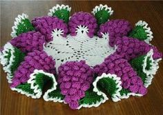 Grapes crochet doily ♥️LCD-MRS♥️ with diagram, omg I made this doily pattern years ago!