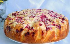 Фруктово-ягодный пирог. Причем ягоды и фрукты я кладу любые!