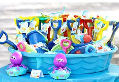 Simple pool party favors--and served in a kiddie pool? Genius!