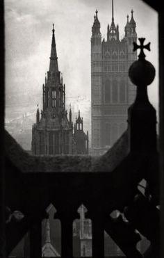 quaerere-deum:    E.O. Hoppé - The Victoria Tower, London, c.1934