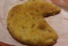 La pizza con i cicoli è una prelibatezza molisana alla quale in pochi rinunciano. Ricca di gusto e tradizione, vi mostriamo come farla.