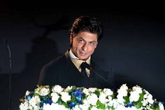 SRK's surgery: Fans wish for speedy recovery; SRK thanks all