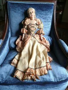 Belle Poupée Ancienne de Salon Ou de Boudoir | eBay She is in bad shape but the dress is lovely