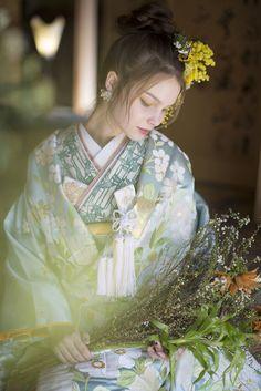 AYUMI BRIDAL kimono kyoto japan 色打掛 水色慶結 着物 botanical ボタニカル photographer : inamura masato あゆみブライダル京都