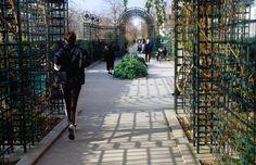 Jogger in Promenade Plantee, Paris, France