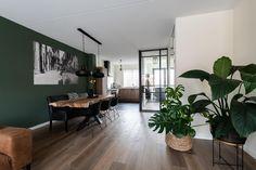 Living Room Interior, Home Living Room, Living Room Designs, Living Room Decor, Bedroom Decor, Living Room Paint, Dark Green Living Room, Green Rooms, Dream Home Design