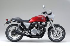 HONDA CB1100- recently made available in the U.S. and I am happy about it!