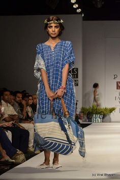 Aneeth Arora collection at Wills Lifestyle India Fashion Week Spring- Summer 2013   (9)