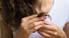 Que vos cheveux aient besoin d'être nourris en profondeur ou que vous vouliez hydrater votre peau naturellement, l'huile de ricin est là pour vous sublimer.  Découvrez l'astuce ici : http://www.comment-economiser.fr/6-bienfaits-huile-ricin-pour-les-cheveux-et-la-peau.html?utm_content=buffer9f274&utm_medium=social&utm_source=pinterest.com&utm_campaign=buffer