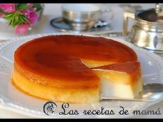 Tocino de cielo sobre tarta de queso My Recipes, Mexican Food Recipes, Cake Recipes, Dessert Recipes, Favorite Recipes, Hispanic Desserts, Flan, Yummy Treats, Yummy Food