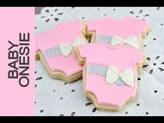 I made beautiful baby shower cookies! In this video I show you step by step how to create a pretty Baby Onesie Cookies. I love to bake, decorate cookies, cak...