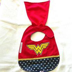 Babero Wonder Woman, baberos Marvel, impermeables, baberos en algodón, baberos hechos a mano, baberos originales, baberos personalizados de PassionHandMade14 en Etsy