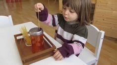 """La scuola materna nel metodo montessoriano prende il nome di """"casa dei bambini"""". Questo perché l'ambiente sembra proprio una casa in miniatura..."""