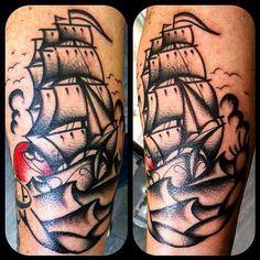 Super Magic Corra again! Ecco gli ultimi bellissimi pezzi old school!  Tatuaggi Traditional http://www.subliminaltattoo.it/prodotto.aspx?pid=08-TATTOO&cid=18  #subliminaltattoofamily   #corratattooartist   #corradocarnevali   #oldschool   #tradizionale   #traditionaltattoo #tattooartist   #tattoo   #tatuaggio