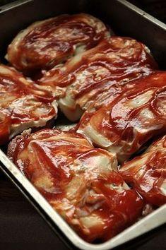Karkówka zapiekana z serem i cebulą. Karczek pod pierzynką. - Damsko-męskie spojrzenie na kuchnię Pork Recipes, Gourmet Recipes, Salad Recipes, Cooking Recipes, Healthy Recipes, My Favorite Food, Favorite Recipes, Polish Recipes, Food Porn