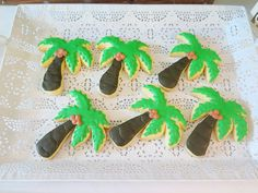 Vivienne's Tropical Pink Flamingo Themed Party – Birthday Edible Flowers, Pink Flowers, Painted Leaves, Hand Painted, Different Shades Of Pink, Tropical Fruits, Tropical Vibes, Paper Lanterns, Green Plants