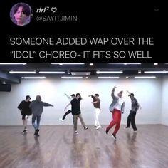 Bts Taehyung, Bts Bangtan Boy, Bts Jimin, Bts Funny Videos, Bts Memes Hilarious, Foto Bts, Bts Photo, V Video, Bts Dancing