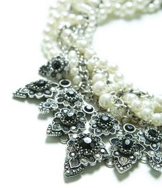 PEARLS AND CHAINS NECKLACE from Zara