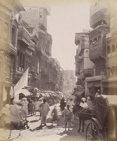 Old &famous street Anarkali Bazar,this scene taken 1895 Lahore Punjab Pakistan Jaisalmer, Udaipur, Old Pictures, Old Photos, Vintage Photographs, Vintage Photos, Colonial India, Vintage India, Asian History