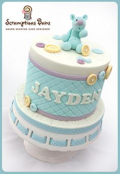 Quilted Buttons Christening Top Cake | Flickr: Intercambio de fotos