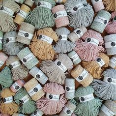 Bobbiny (@hello_bobbiny) • Zdjęcia i filmy na Instagramie Cotton Cord, Singles Twist, Macrame Cord, Create And Craft, T Shirt Yarn, Bunt, Free Pattern, Etsy Seller, Throw Pillows