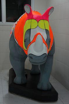 Rino Mania  Rüno: Rinoceronte de Dürer  Artista Quim Alcantara  quim.com.br  Exposição: MuBE  Localização nas ruas: Rua Oscar Freire X Bela Cintra - Jardins    Rino Mania  Rüno: Rinoceronte de Dürer  Artista Quim Alcantara  quim.com.br  Exposição: MuBE  Localiza For topics and discussion on  mania  go www.mybrainsick.com.