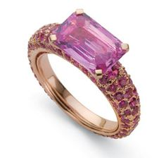Laura Munder 18k rose gold ring, set with pink tourmaline surrounded by pink sapphires