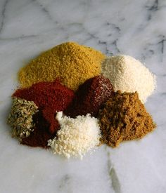 Mexican Pinto Bean Spice is such an easy way to jazz up your pinto or refried beans! You'll find yourself sprinkling this magic dust on other dishes! Homemade Dry Mixes, Homemade Spice Blends, Homemade Spices, Homemade Seasonings, Spice Mixes, Mexican Pinto Beans, Mexican Beans Recipe, Pinto Bean Recipes, Spices And Herbs