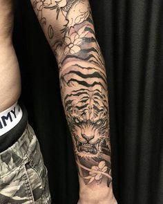 Tiger Forearm Tattoo, Japanese Forearm Tattoo, Japanese Tiger Tattoo, Tiger Tattoo Sleeve, Tiger Tattoo Design, Japanese Tattoo Designs, Japanese Sleeve Tattoos, Full Sleeve Tattoos, Tattoo Designs Men