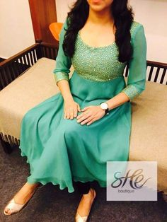 Salwar Neck Designs, Kurta Neck Design, Dress Neck Designs, Kurta Designs Women, Indian Fashion Dresses, Dress Indian Style, Indian Designer Outfits, Fashion Wear, Designer Anarkali Dresses