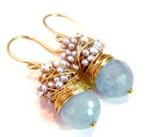 Cluster earrings with twisted wire.