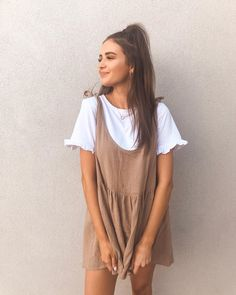 This weekly addition of the summer outfits guide features cute outfits for you to wear everyday. Update your wardrobe and enjoy today! Style Outfits, Casual Fall Outfits, Casual Summer Dresses, Mode Outfits, Spring Outfits, Trendy Outfits, Fashion Outfits, Dress Casual, Womens Fashion