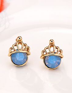 http://www.aliexpress.com/store/product/Elegance-and-Generous-Blue-Gold-Plated-With-Crown-Jewels-Wedding-party-Christmas-Earrings-for-Women/239061_1858501557.html Find More Stud Earrings Information about Branded Korea Blue Gold Plated Cute Crown Stud Earrings for Women Wedding Jewelry Wholesale 2014,High Quality Stud Earrings from Hawaii Arts Jewelry