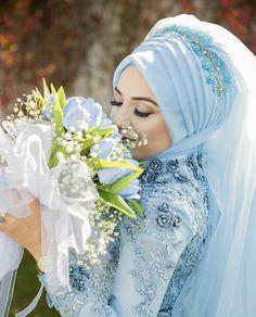 Bridal Hijab, Muslim Wedding Dresses, Hijab Bride, Muslim Brides, Beautiful Bride, Hijab Fashion, Bride Groom, Marie, Hair Beauty