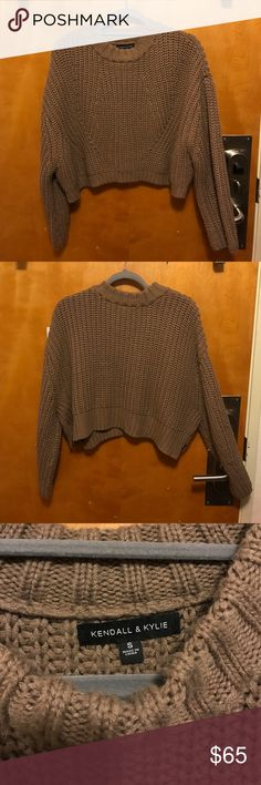 Kendall and Kylie Sweater Love this sweater! Worn twice! Great condition. Message me with any questions. Kendall & Kylie Sweaters Cowl & Turtlenecks
