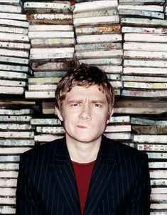 Martin Freeman - A. John Watson from Sherlock A. Bilbo Baggins from the Hobbit A. LOVE OF MY FREAKING LIFE. // or, y'know, just an interesting guy in front of some books /geez, take a grip/ Martin Freeman, Johnlock, Sherlock Bbc, Benedict Cumberbatch, Sherlock Cumberbatch, Bae, Benedict And Martin, Streaming Hd, 221b Baker Street