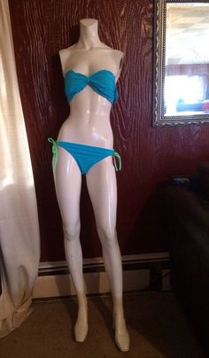 Mannequin Female White Used with heels Headless