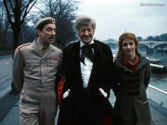 Nicholas Courtney, John Pertwee, and Caroline John on the set of Doctor Who in Ms. John, who played Dr. Liz Shaw on the long-running BBC sci-fi hit, died in June 2012 at the age of Matt Smith Doctor, Original Doctor Who, Jon Pertwee, William Hartnell, Classic Doctor Who, Doctor Who Companions, Best Mate, Eleventh Doctor, 4th Doctor