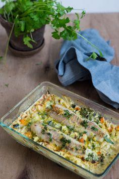 Fiskefad med sej, grønt og en citrus-hvidvins-flødesauce – J… – Animals Fisher, Fish Recipes, Healthy Recipes, Healthy Food, Danish Food, Fish And Seafood, Vegetable Pizza, Lasagna, Kids Meals