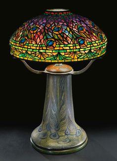 유 Illuminating Lamps 유  Tiffany Studios Peacock table lamp